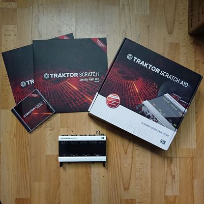 Immagine di Traktor Scratch Audio 10 - con Software - Usata
