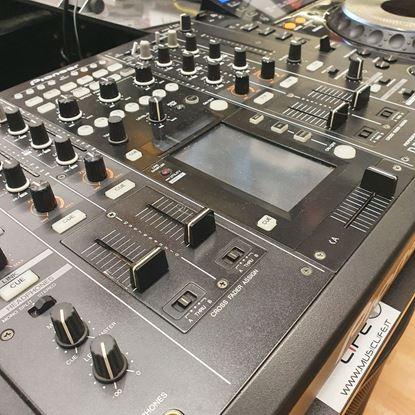 Immagine di CONSOLLE DJ (CDJ 2000 + DJM 2000)